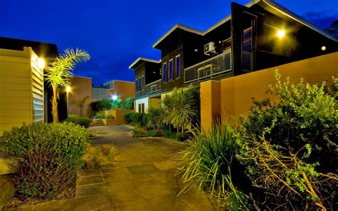 courtyard appartments lornebeach apartments courtyard apartments lorne