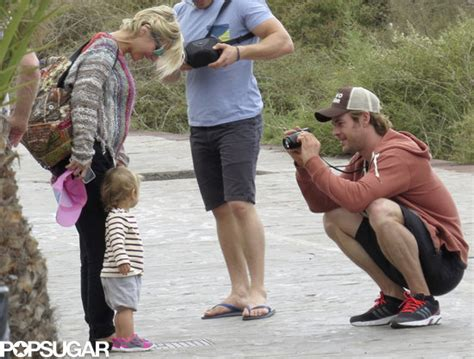 78 Jogger Strert 27 30 chris hemsworth with his family pictures popsugar