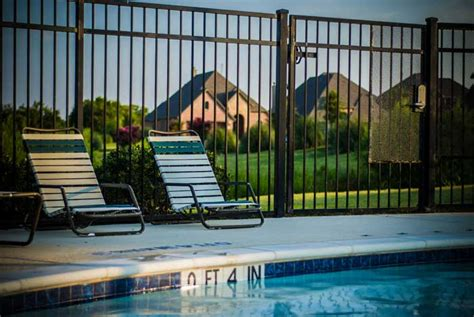 pool running 101 it is actually kind of awesome pool fence ideas type of pool fences pool fencing idea