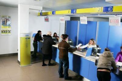 sda orari uffici poste italiane punta su adsl e telefonia fissa