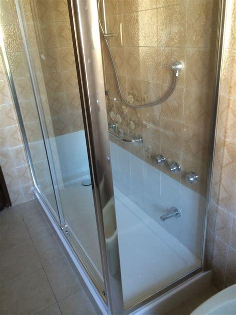 modifica vasca da bagno con sportello modifica vasca da bagno in doccia trasforma la tua vasca
