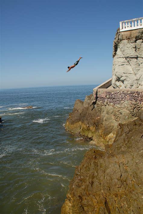 the cliff dive file cliff diver jpg