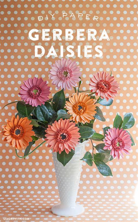 paper daisy flower tutorial diy gerbera daisies paper bigdiyideas com