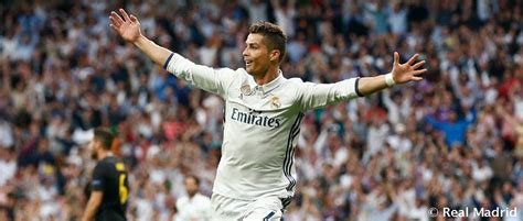 fotos real madrid cr7 cristiano ronaldo makes it 400 goals for real madrid