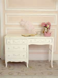 schreibtisch shabby chic shabby chic a desk at which to write i shabby chic