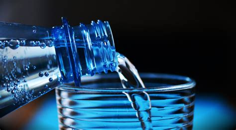 acqua rubinetto o bottiglia l acqua minerale in bottiglia 232 meglio di quella