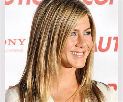 haircuts quispamsis jennifer aniston hair color jennifer anistons highlights