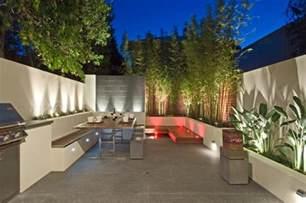 bambus im k 252 bel als sichtschutz und deko auf der terrasse