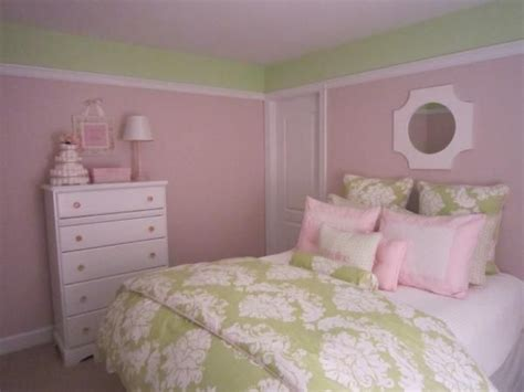 25 best ideas about green painted walls on pinterest pink and green walls in a bedroom ideas regarding fantasy