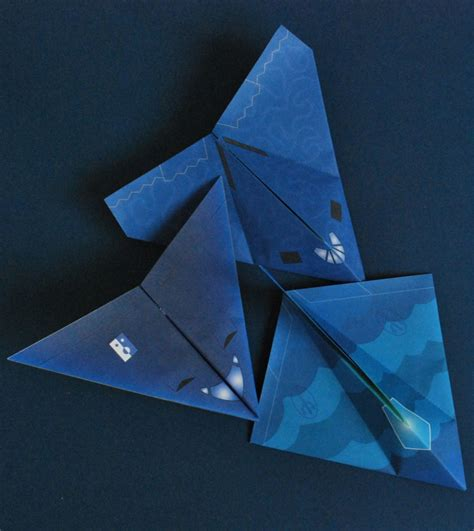 Easy Origami Planes - stealth airplanes from simple origami airplanes kit