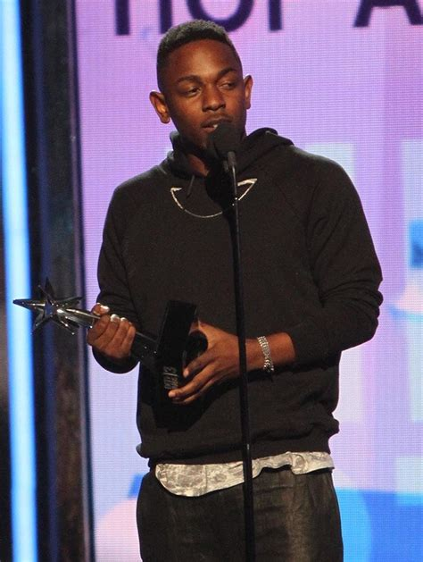 kendrick lamar awards kendrick lamar picture 31 the 2013 bet awards inside