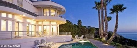 airbnb mansion los angeles mariah carey rents another beachfront mansion from airbnb