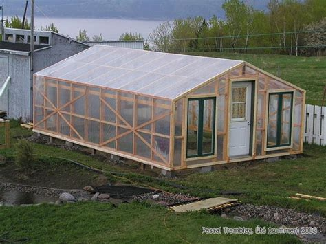 Green Home Design Maine Serre Installer Le Plastique De Serre Ou De