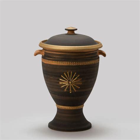 urne zuhause kleine urne aus ton f 252 r zuhause caldas serafinum de