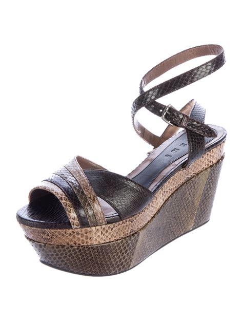 snakeskin wedge sandals marni snakeskin platform wedge sandals shoes man57013