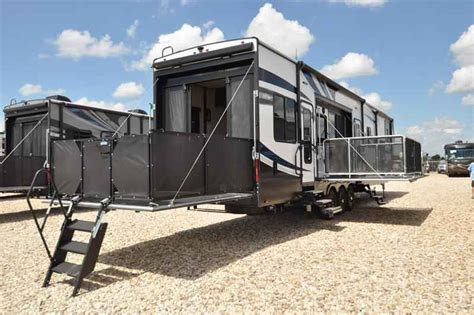 Fifth Wheel Cers With Bunk Beds 2017 New Heartland Rv Road Warrior Rw427 Bath 1 2 Bunk Beds Fifth Wheel In Tx