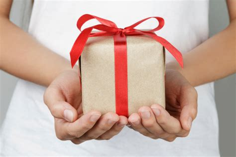 gift giving gift giving etiquette in other cultures how savvy are you