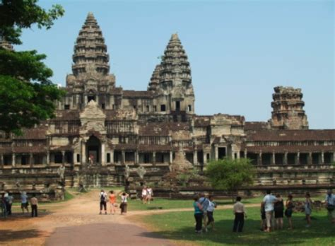 Executive Mba Notre Dame Gmat by Executive Mba Program Trip To And Cambodia Notre