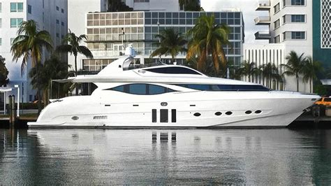 yacht boat in miami 70 130 ft miami yachts luxury boats charter