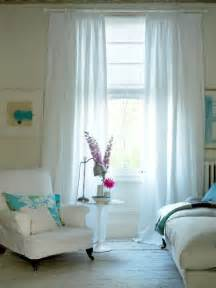 Should Curtains Go To The Floor Decorating Various Things You Should To Consider When Choosing The Right Bedroom Curtains Modern Home