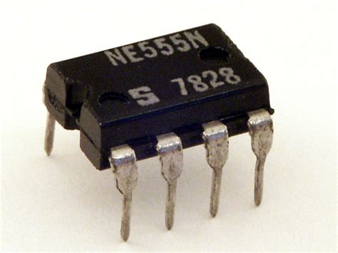 integrated circuit leg number ne555