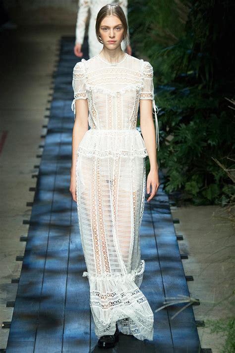 resort 2015 fashion trend black and white lace dior erdem shop the spring 2015 trends white lace vogue