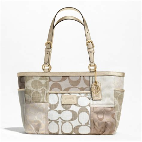 Coach Patchwork Gallery Tote - juz4u shoppe coach signature patchwork gallery tote