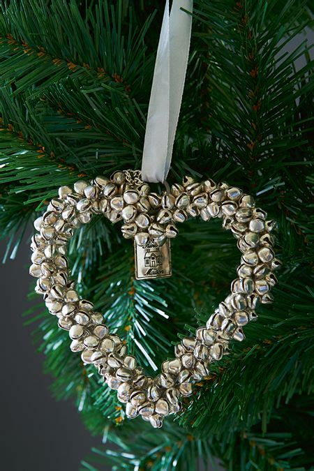 51 ideas to use jingle bells in christmas d 233 cor digsdigs