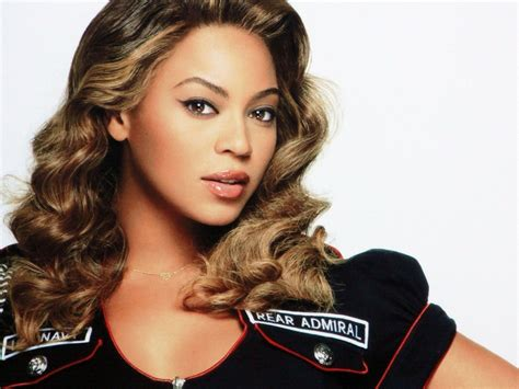 beyonce s video watch beyonce s hair gets stuck in fan s blades