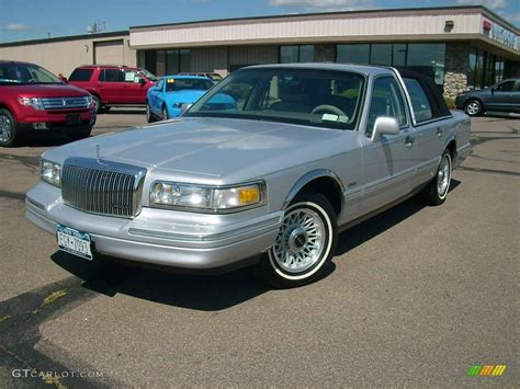 blue book value used cars 1997 lincoln town car security system 1997 lincoln town car blue 200 interior and exterior images