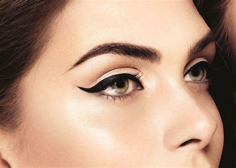 Eyeliner Rani Kajal 9 signs that you cant stay without eyeliner kajal makeup