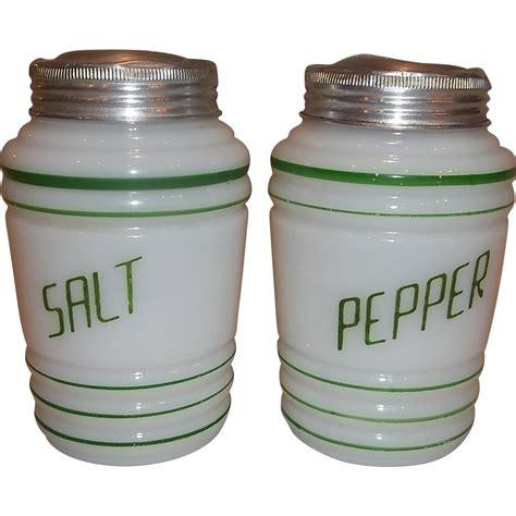 Green Salt L by Hazel Atlas Green Salt Pepper Range Shaker Set From