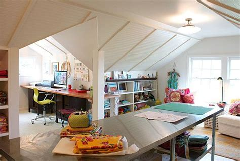 attic work space 25 b 228 sta id 233 erna om attic craft rooms p 229 pinterest
