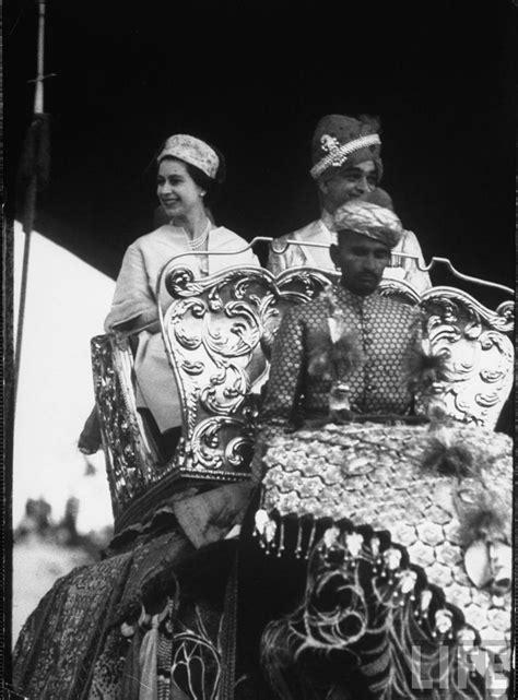 queen elizabeth 2 queen elizabeth ii during her tour of the indian