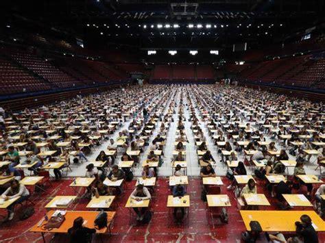 università fisioterapia senza test d ingresso test d ingresso per due corsi su tre l universit 224 sceglie