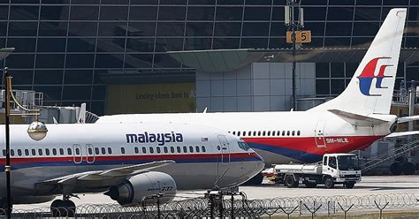 malaysia airlines flight 17 shot down in ukraine how did malaysia airlines flight mh17 crash shot down over ukraine