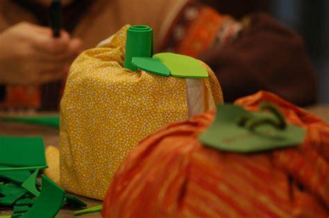 Toilet Paper Pumpkin Craft - easiest fall craft toilet paper roll pumpkin