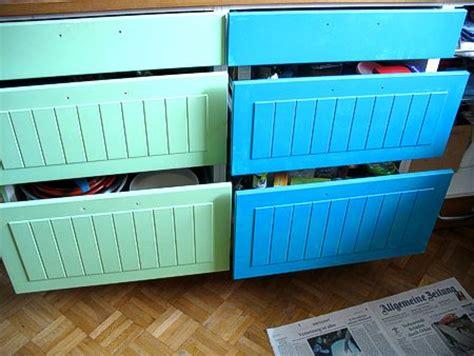 Küchenschränke Malen Farben by Bilder Niedrigen Decke Im Wohnzimmer Mit Balken
