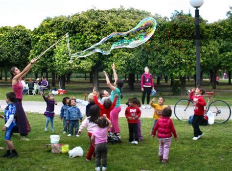 juegos recreativos para padres con sus ni 209 os educacion camentos de verano para ni 241 os en barcelona