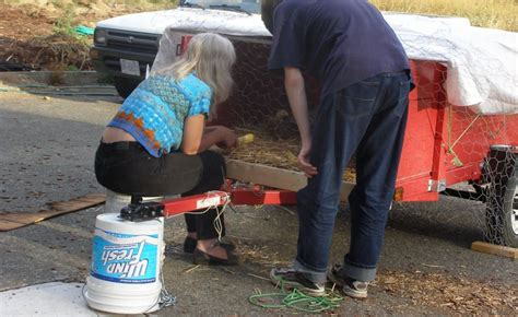 how much weight does a portable table hold maximum weight load of a 5 gallon five gallon ideas