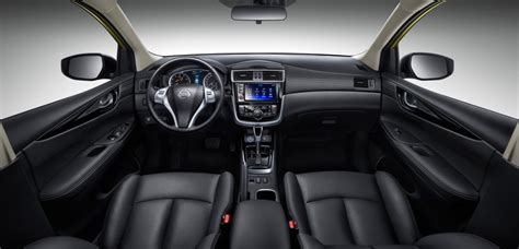 nissan tiida interior 2016 نيسان تيدا 2017 سيارة هاتشباك بتصميم عصري المرسال