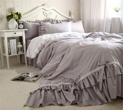 Ruffle Bed Set Best 25 Ruffle Bedspread Ideas On Ruffle Quilt Vintage Bedding And Ruffle Bedding