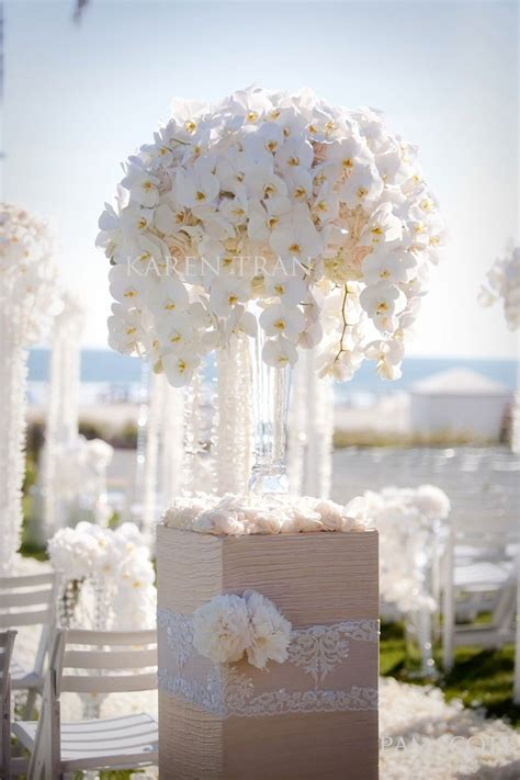 Flower Centerpieces Weddings by 10 Glamorous Wedding Centerpieces Kavita Mohan