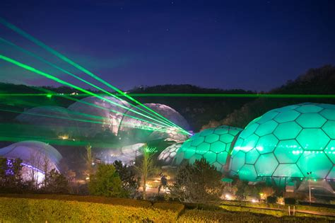 illuminations laser light show laser light show brings christmas to the eden project zimbio