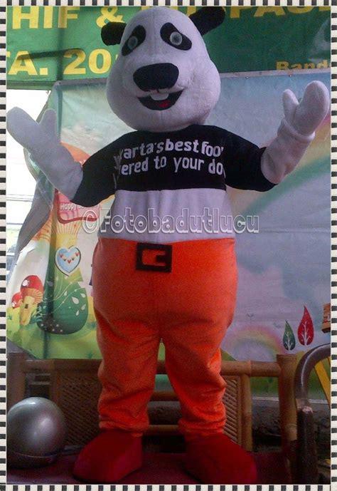 gambar badut maskot kostum panda jakarta  food foto