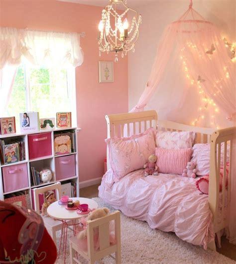 dekorasi kamar anak perempuan layaknya putri negeri dongeng