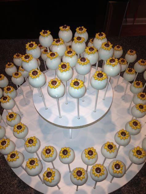 25  best ideas about Sunflower cakes on Pinterest