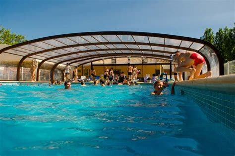 Camping Piscine Couverte Chauffee