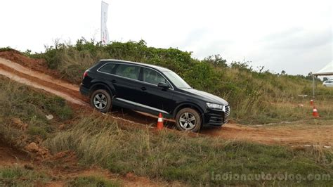 Audi Q7 Offroad by Driving The 2016 Audi Q7 Off Road Youtube