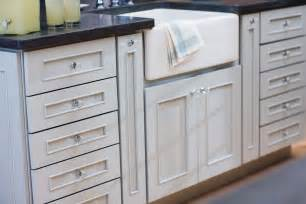 Bathroom Cabinet Pulls And Knobs by Glass Kitchen Cabinet Knobs And Pulls Kitchen Cabinet